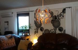 Dödstjärnan exploderar!  (Gillar vår nya lampa!)